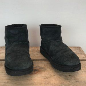 UGG black suede leather short boots size 8